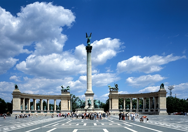 Heroes Square Budapest Travel Guide