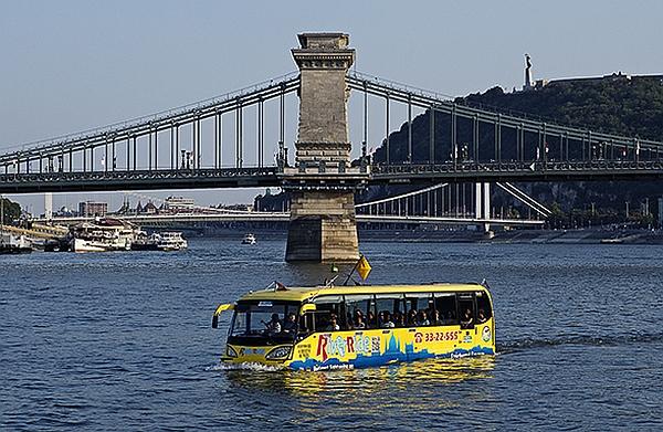 River Ride coach